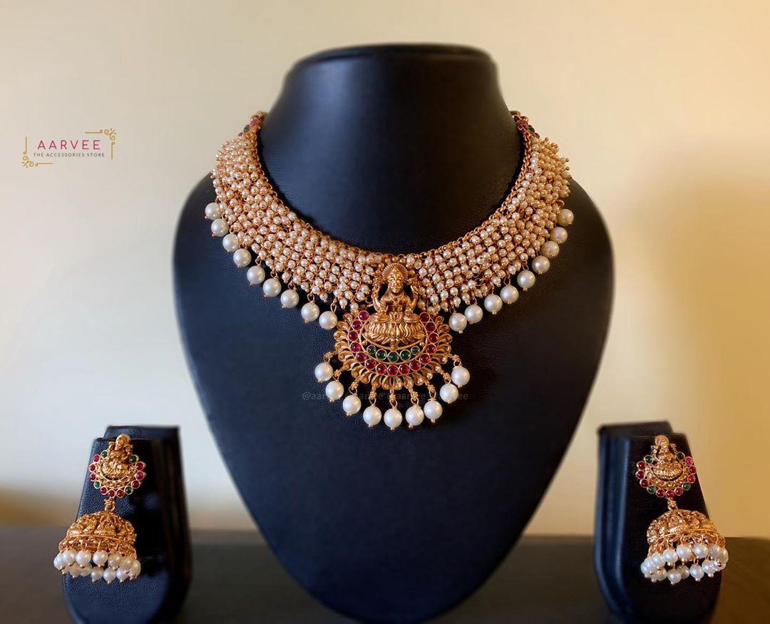 pearl-bunch-lakshmi-necklace-set