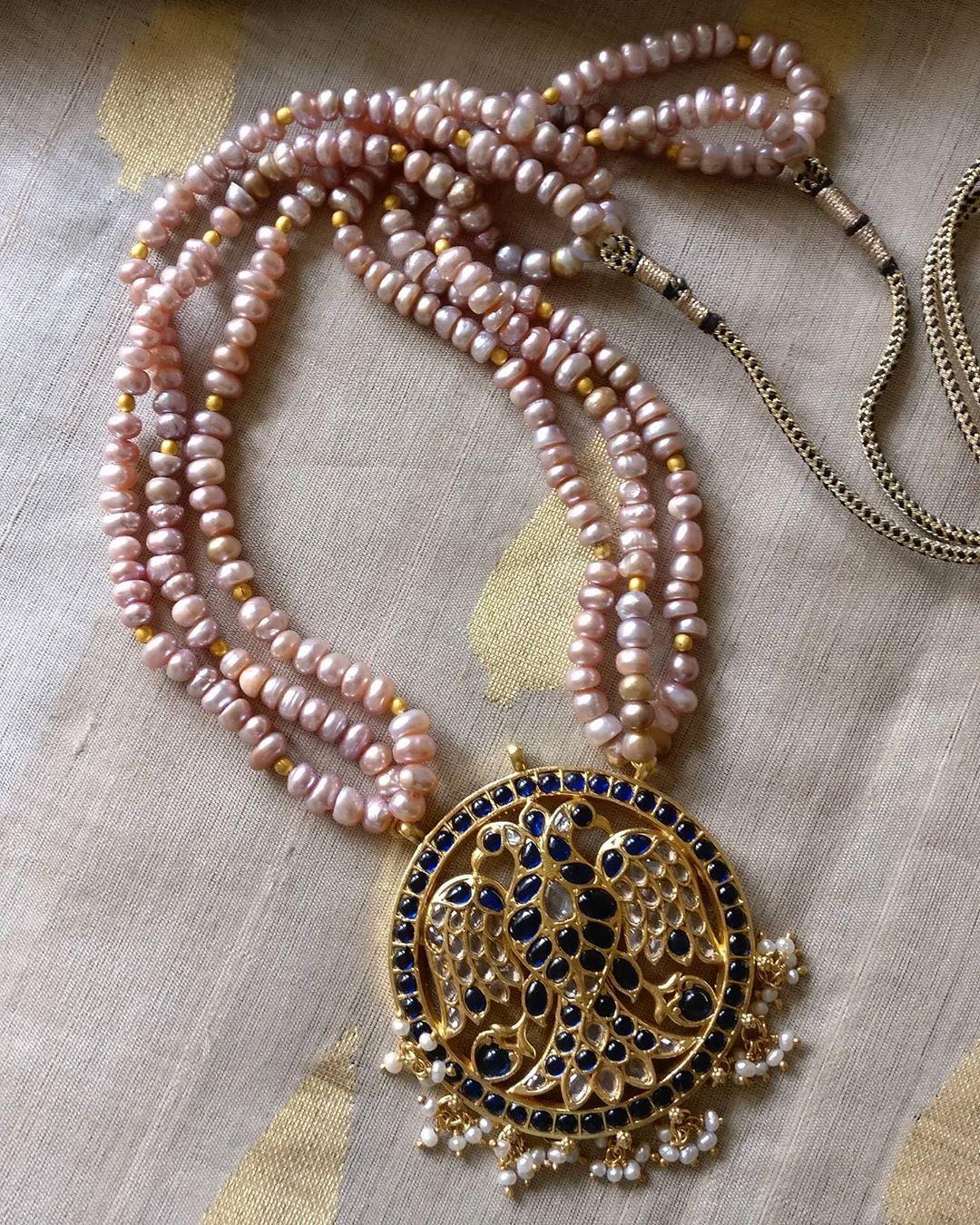 pearl-necklace-with-kemp-stone-gandaberunda-pendant