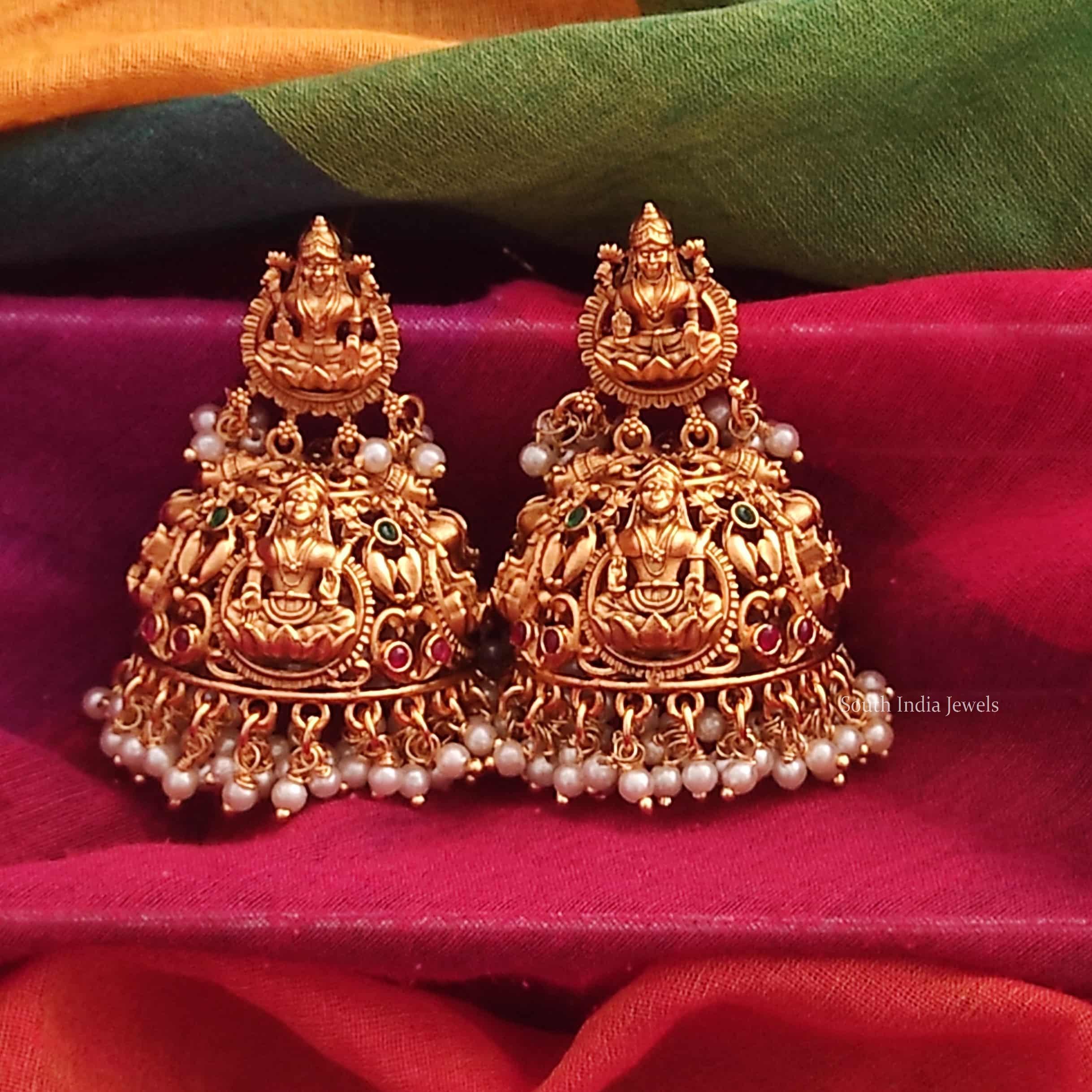 Bridal-Style-Temple-Lakshimi-Jhumka-01