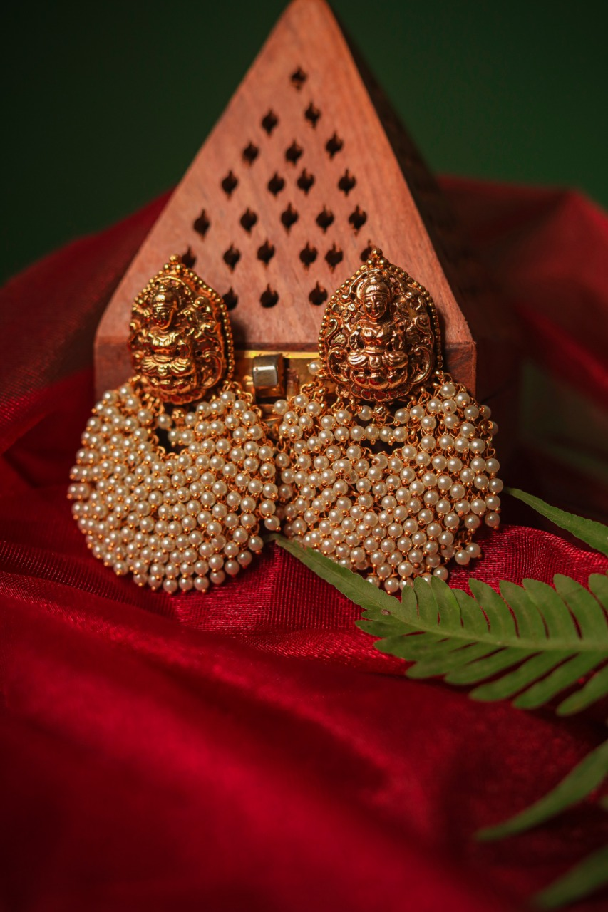 Grand-Bridal-Lakshmi-Pearl-Chandbali-Earrings-01