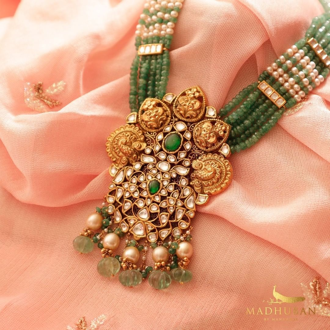 antique-emerald-style-necklace