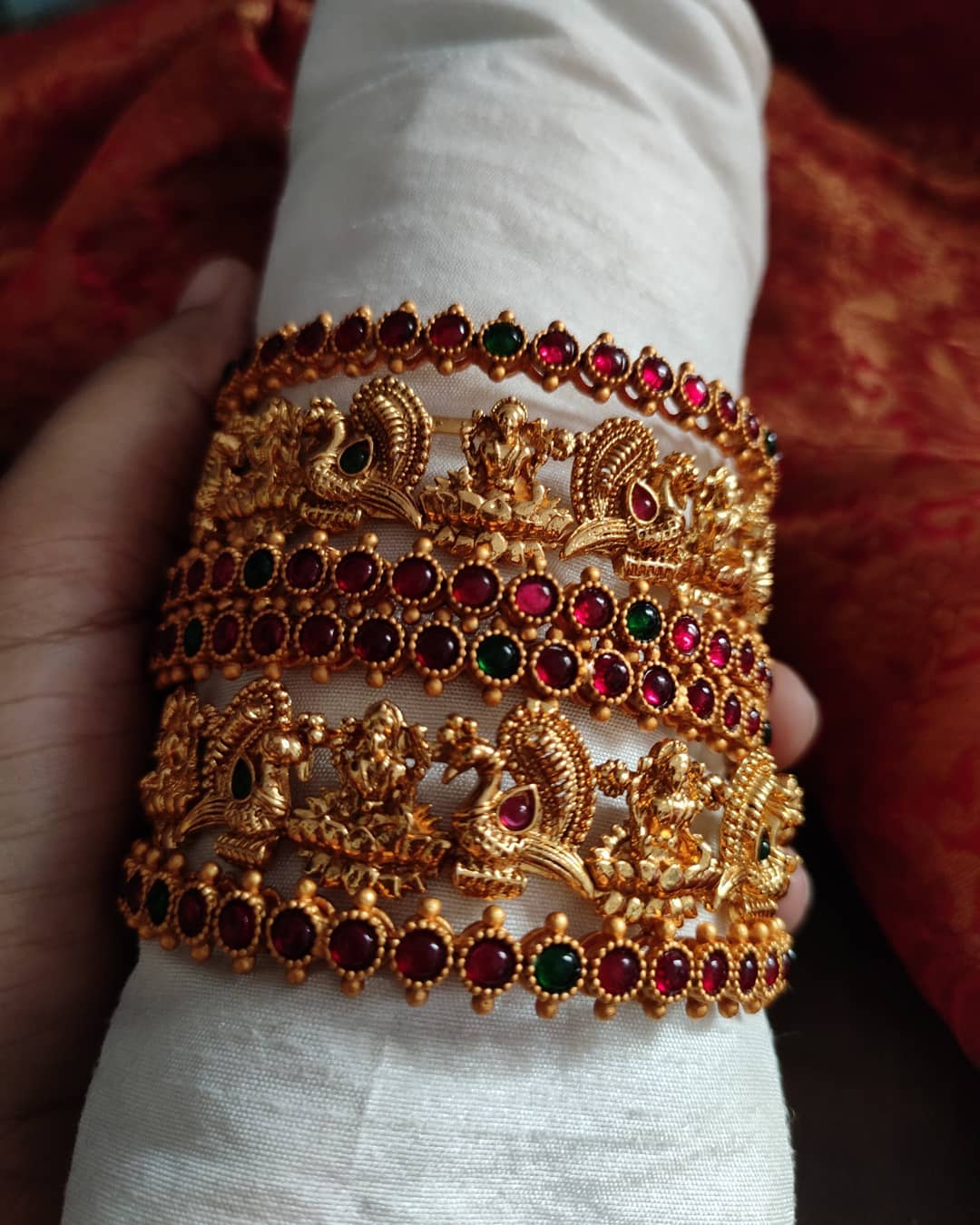 antique-lakshmi-bangles