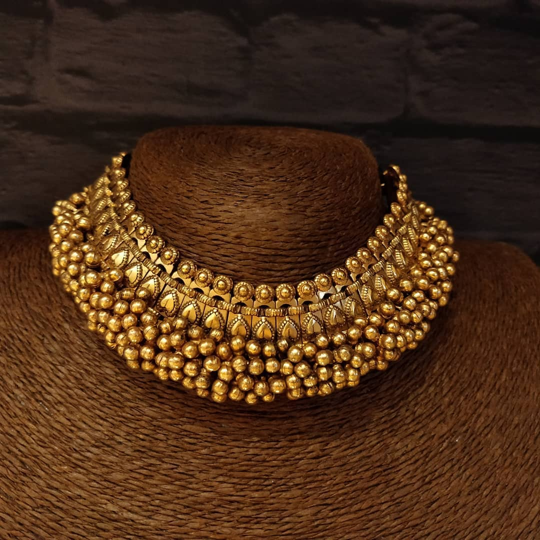 cluster-pearl-statement-necklace