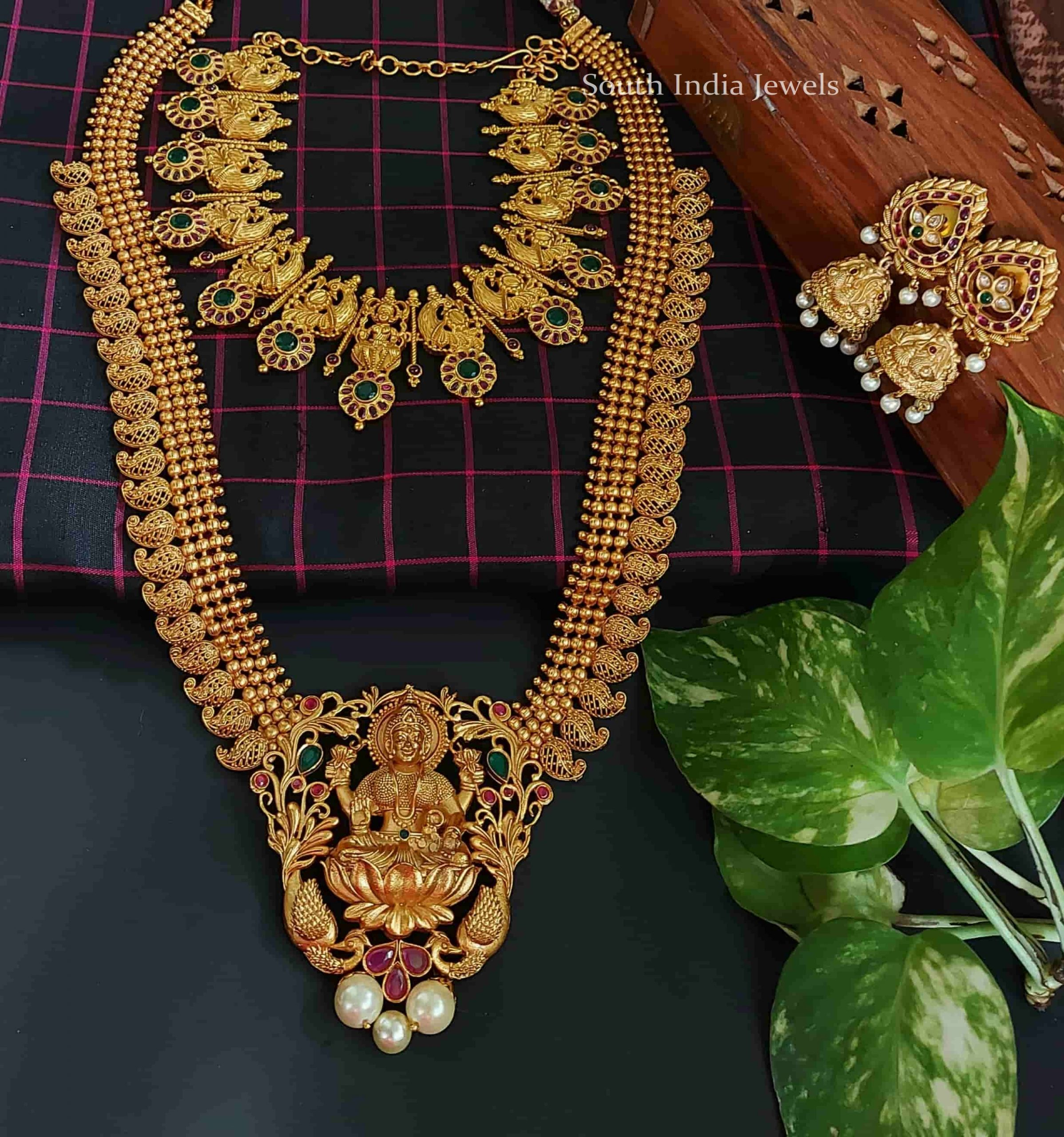 elegant-lakshmi-matte-finish-bridal-set