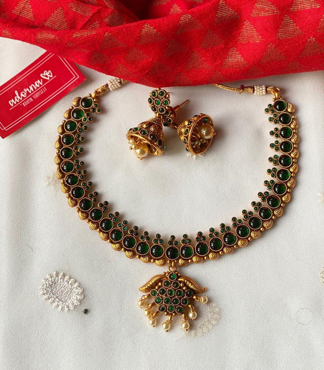 green-stone-studded-matte-gold-necklace-set