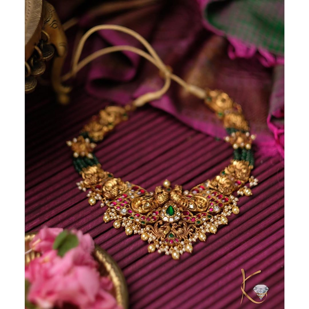handcrafted-gold-necklace