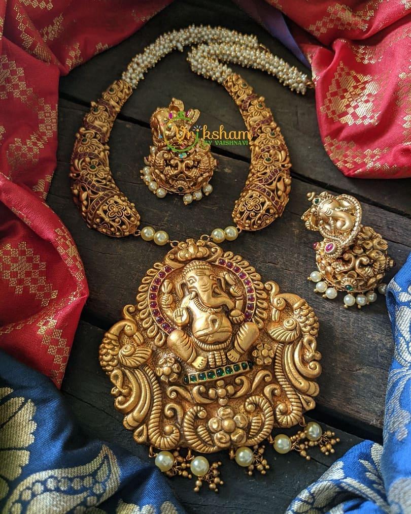 kemp-ad-stones-ganesh-necklace