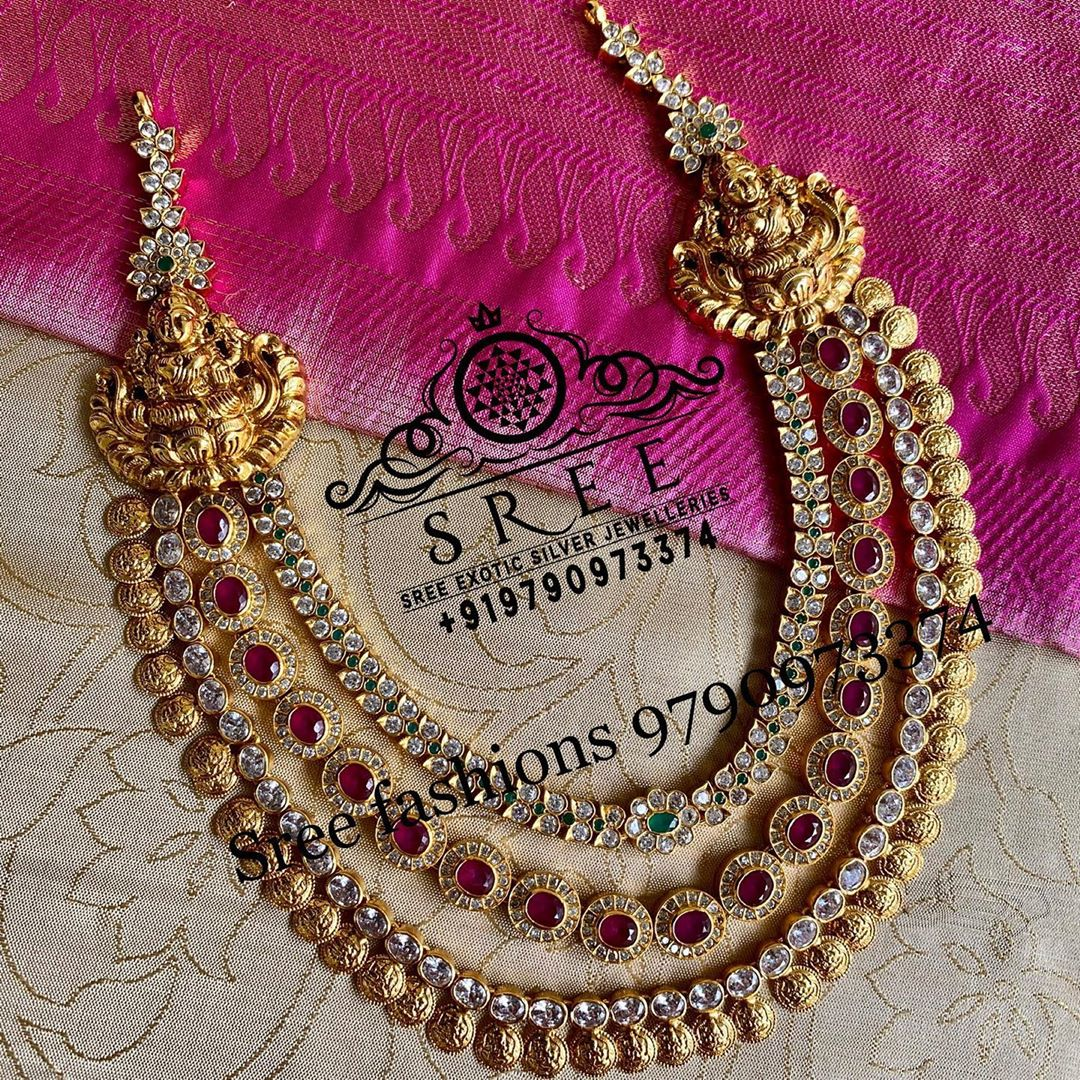 layered-stone-temple-necklace