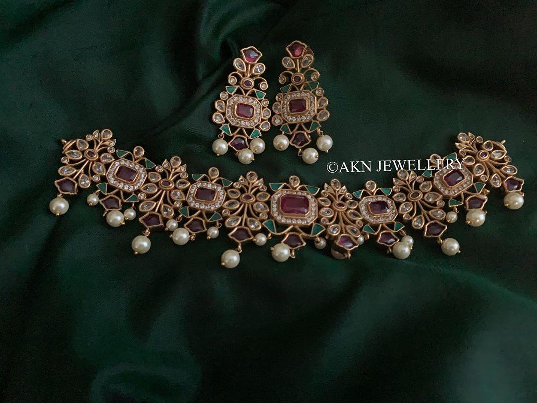 ruby-emerald-choker-necklace-earrings