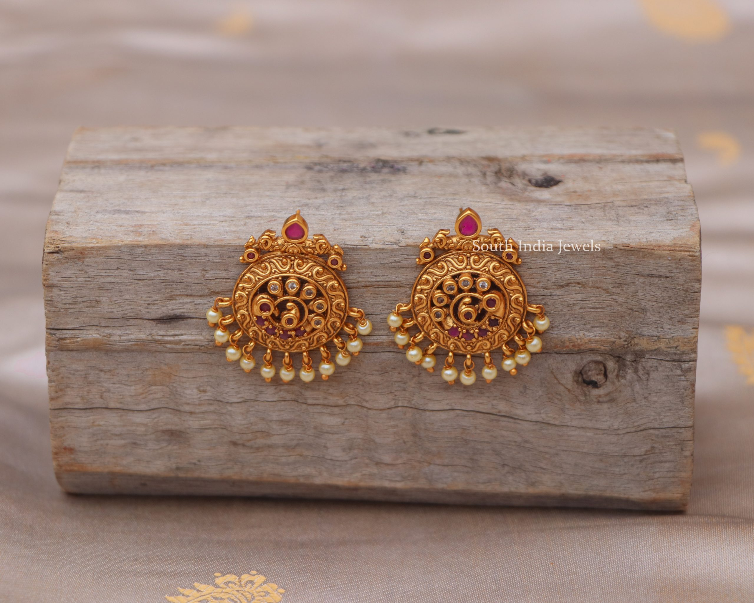 ruby-stones-with-pearl-hanging-earrings