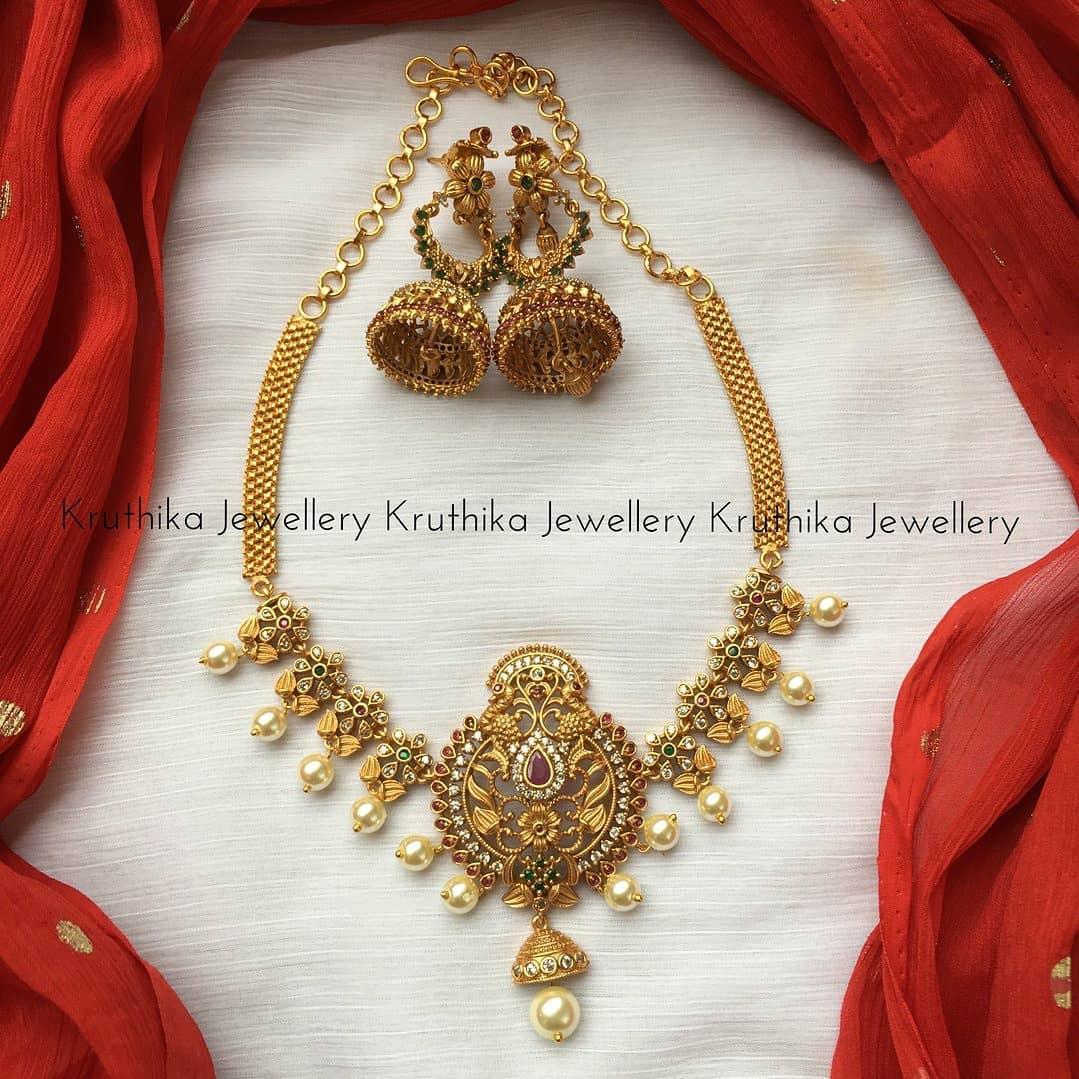 simple-choker-necklace-jhumkas