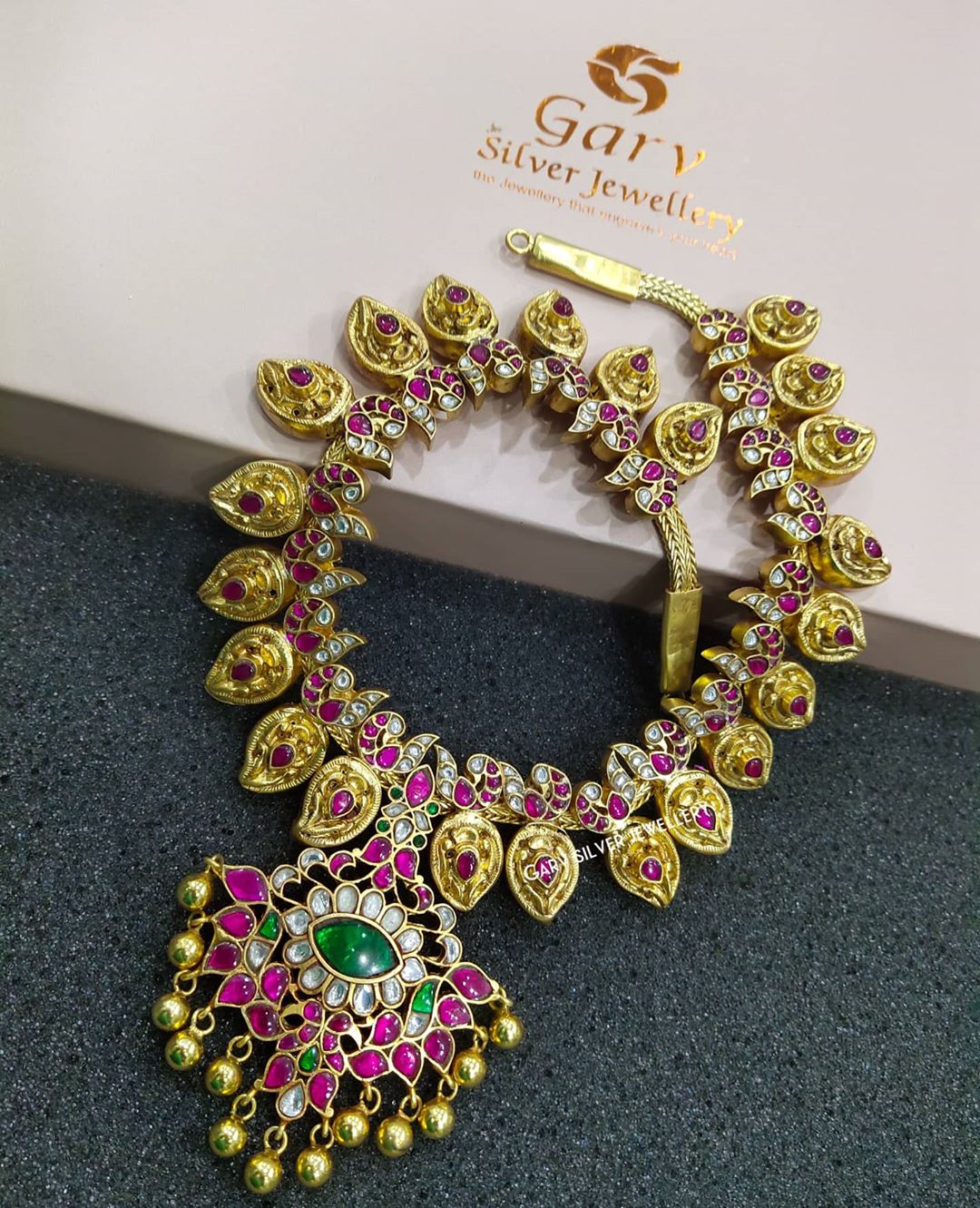 gold-plated-silver-mango-kundan-nakas-necklace