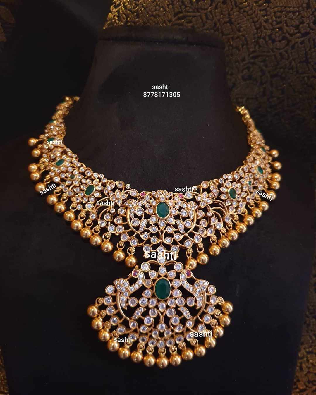 gold-plated-stone-necklace