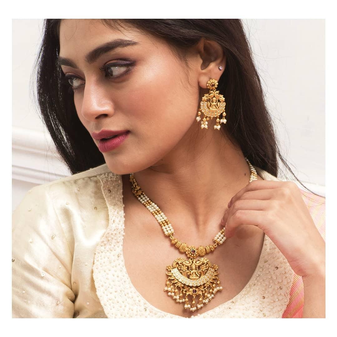 handmade-fashion-necklace-set