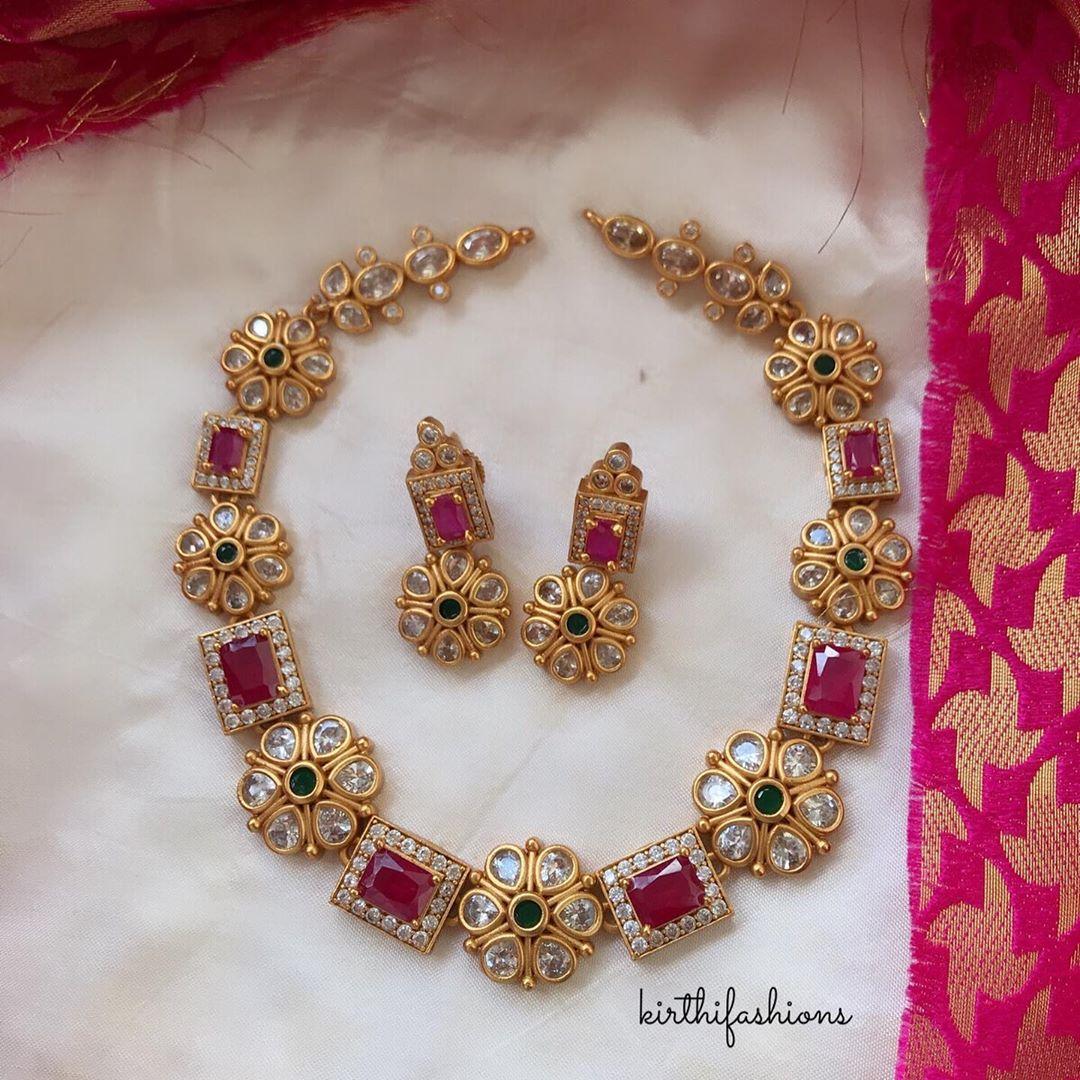 stone-kundan-necklace