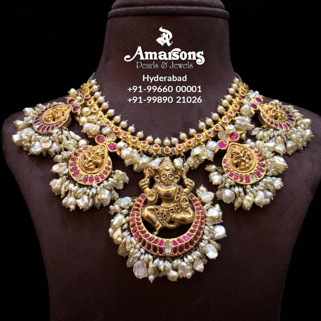 traditional-guttapusalu-lakshmi-gold-necklace