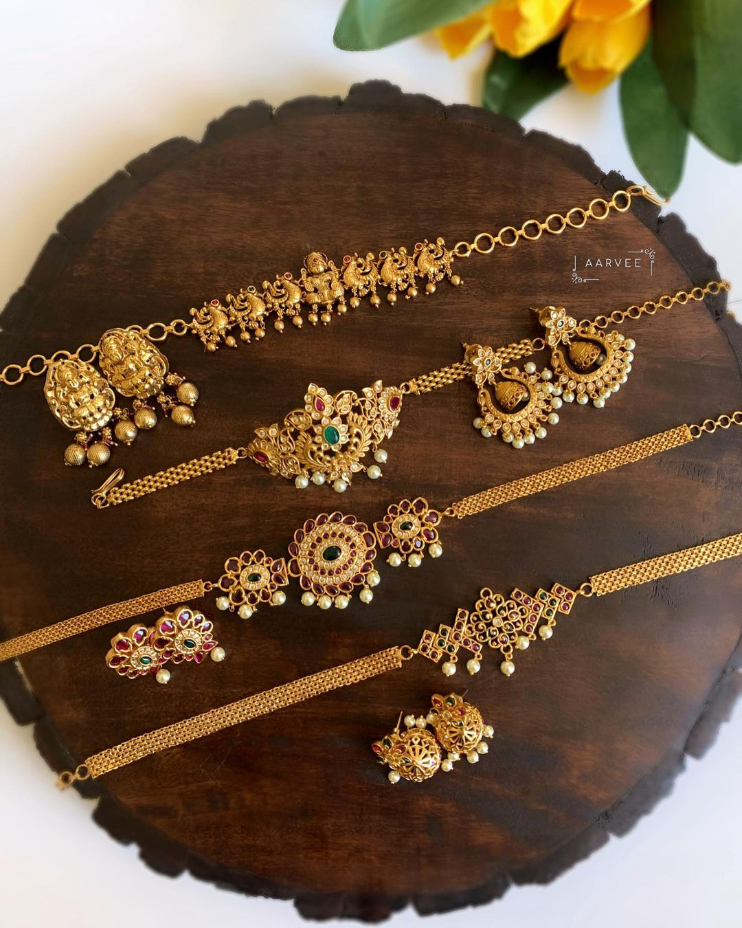 close-neck-antique-choker-necklace-sets
