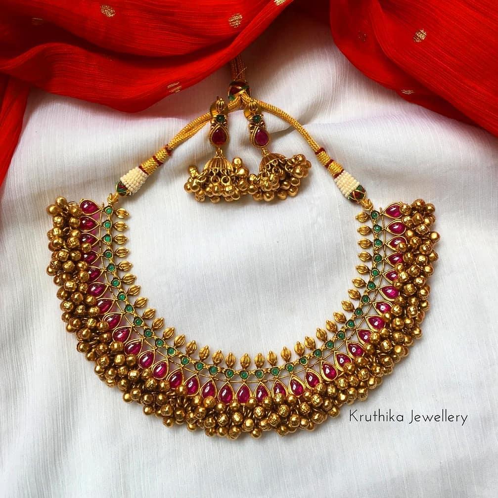 cluster-gungaroo-beads-choker-earrings