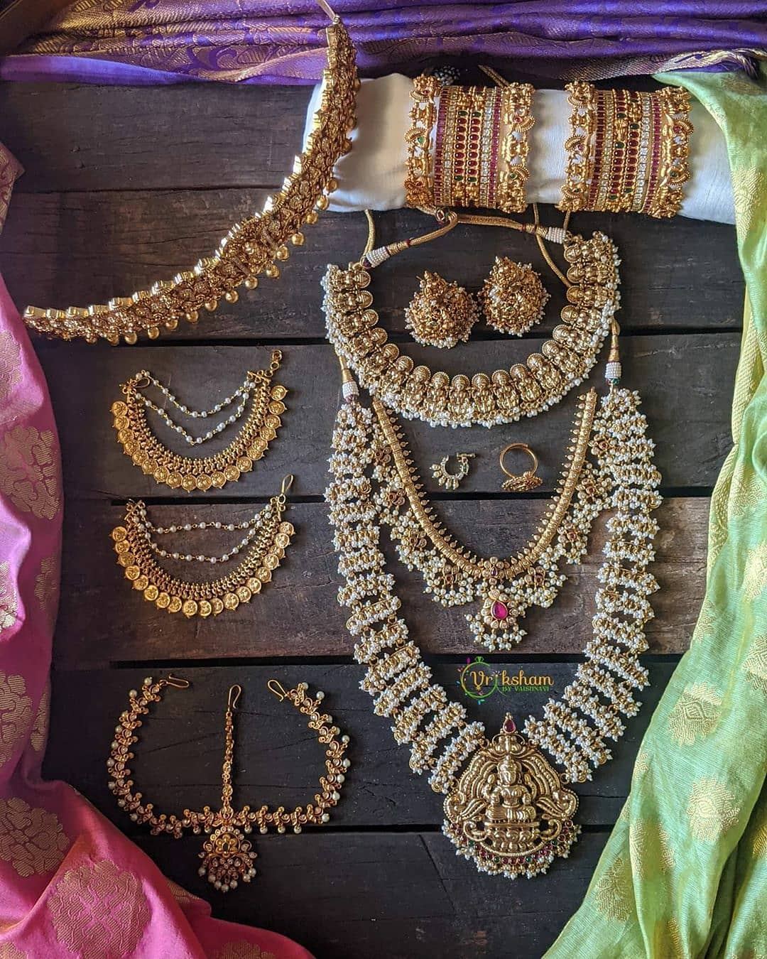 complete-antique-bridal-jewellery-set