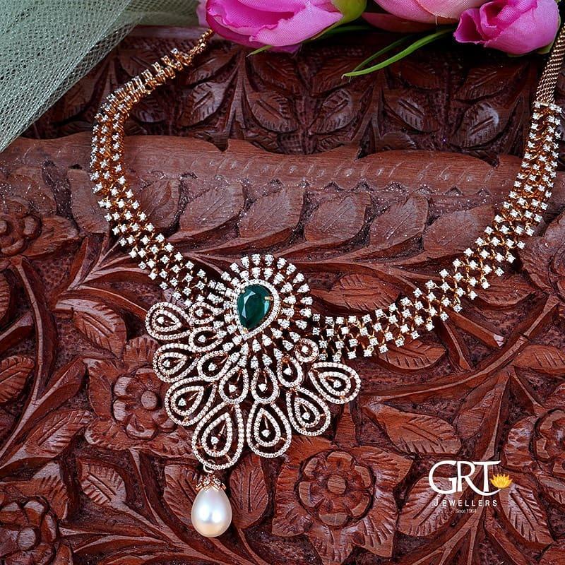 diamond-emerald-necklace
