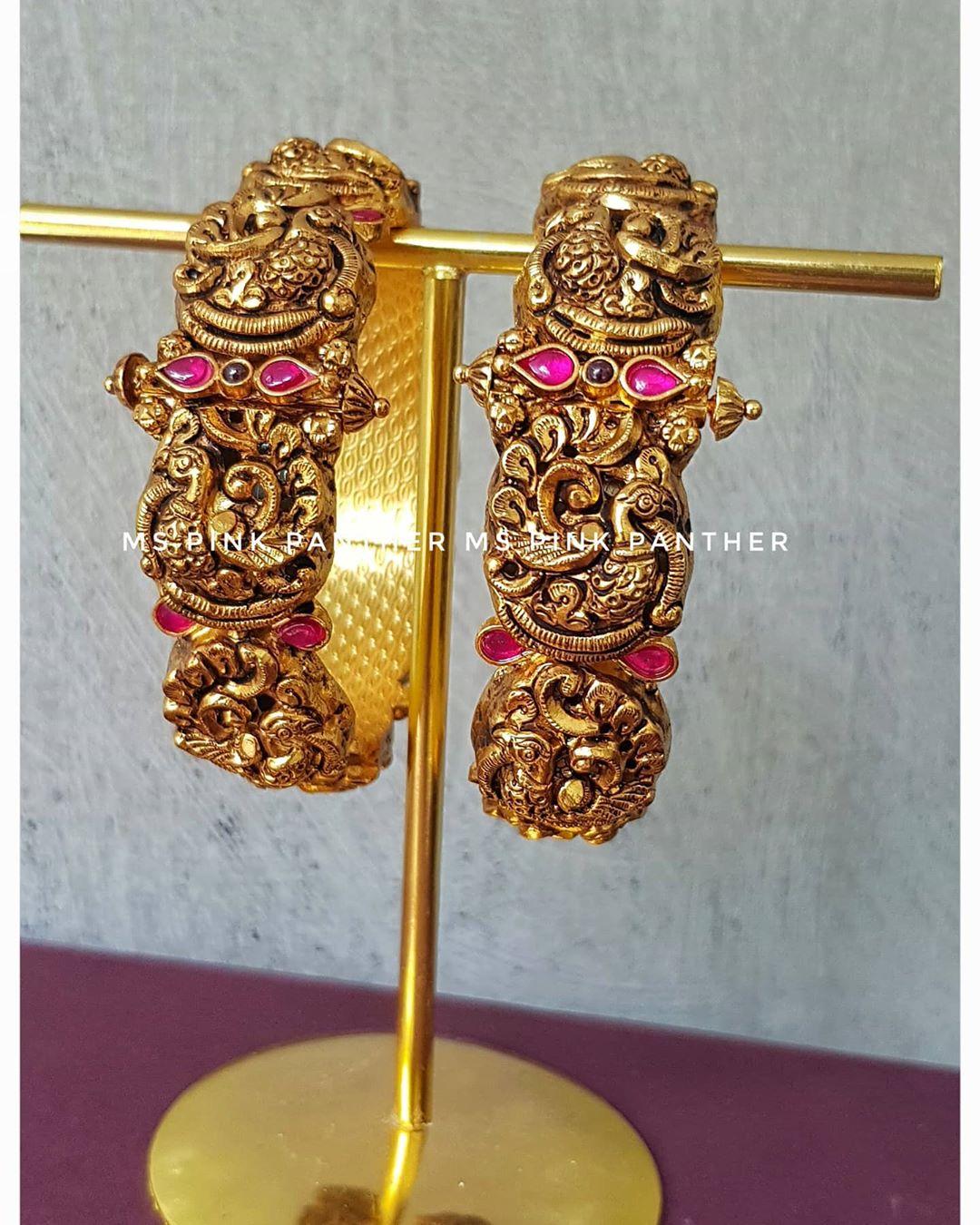 festive-traditional-bangles