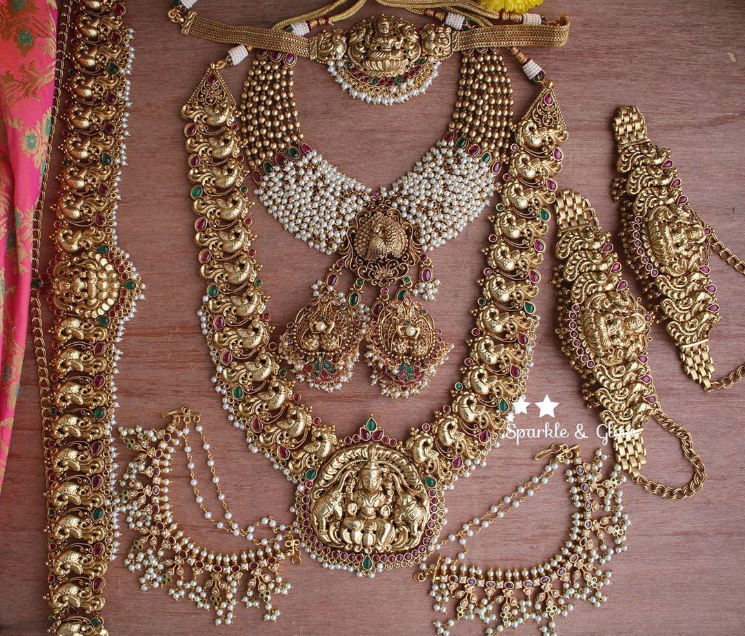 gold-alike-polished-nagas-bridal-set