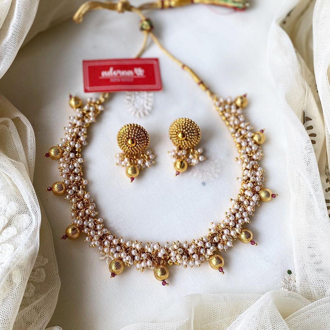 pearl-bunch-necklace-drop-earrings