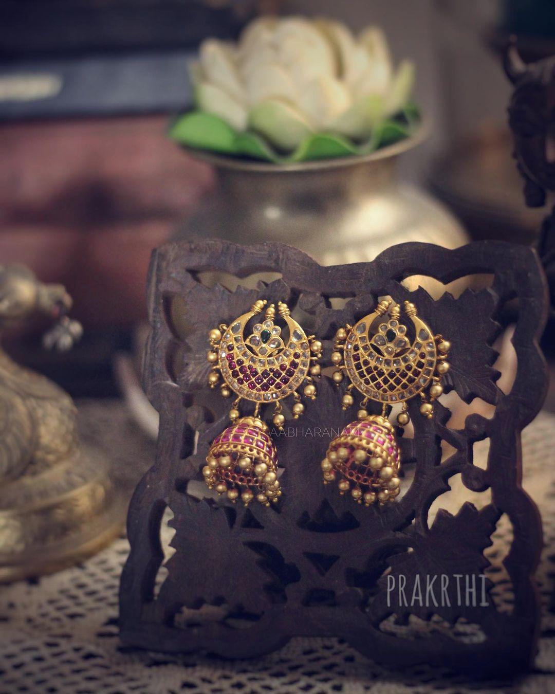 antique-gold-jhumka