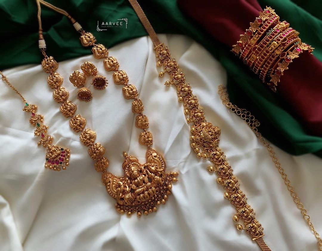 antique-temple-jewellery-set