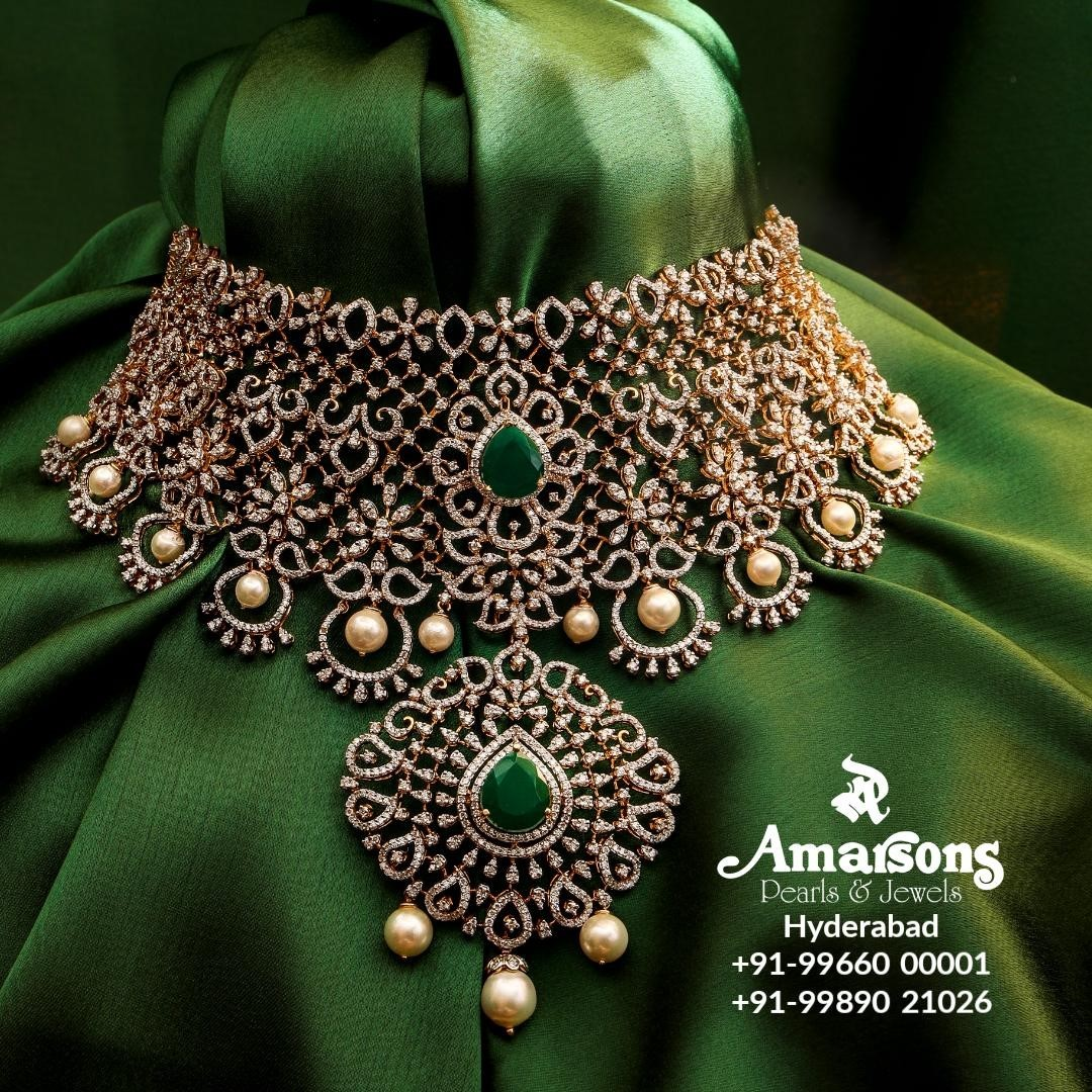 diamond-emerald-choker-necklace-set