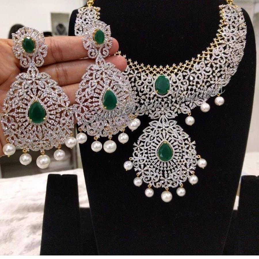 diamond-finish-necklace-set