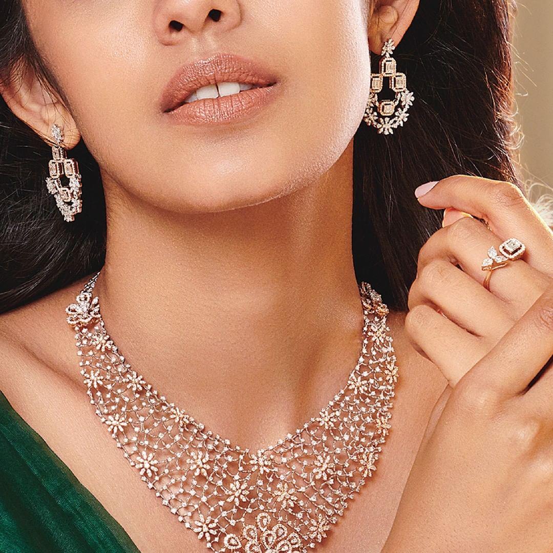 diamond-necklace-set