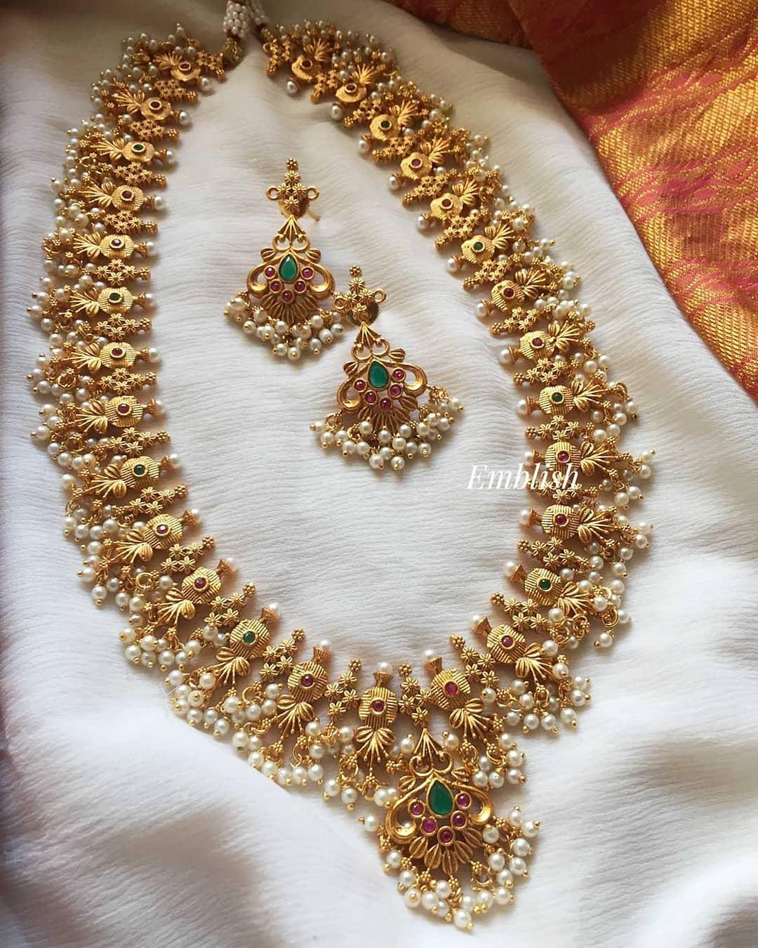 flower-design-midlength-guttapusalu-necklace
