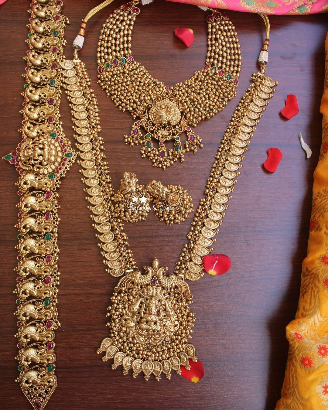 gold-like-polished-bridal-jewellery-set