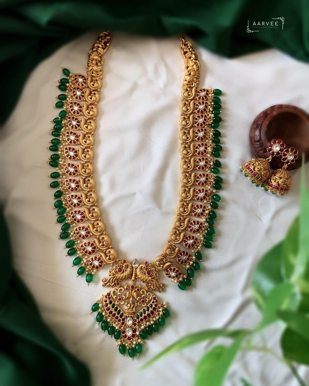green-beads-long-necklace