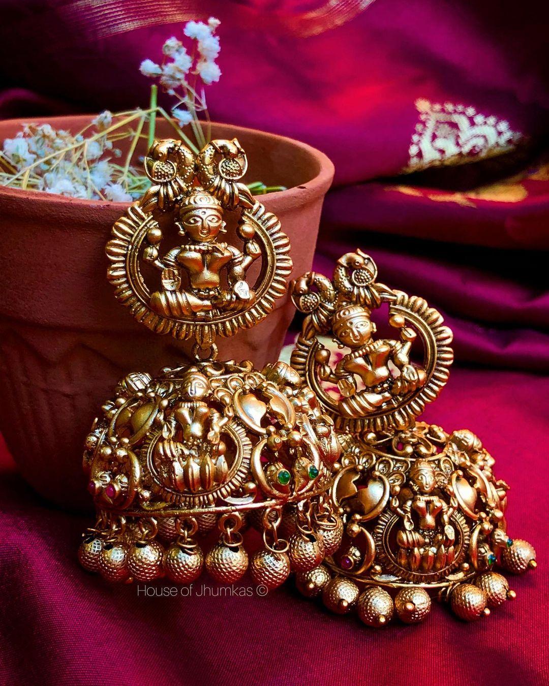 huge-bridal-temple-jhumkas