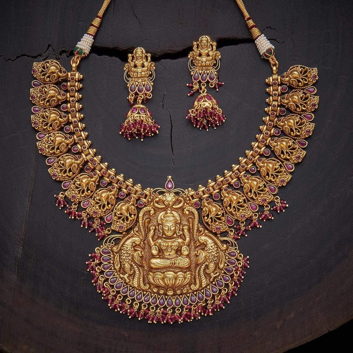 antique-lakshmi-necklace-set