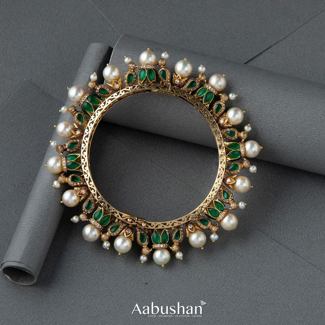 gold-pearl-kada-bangle
