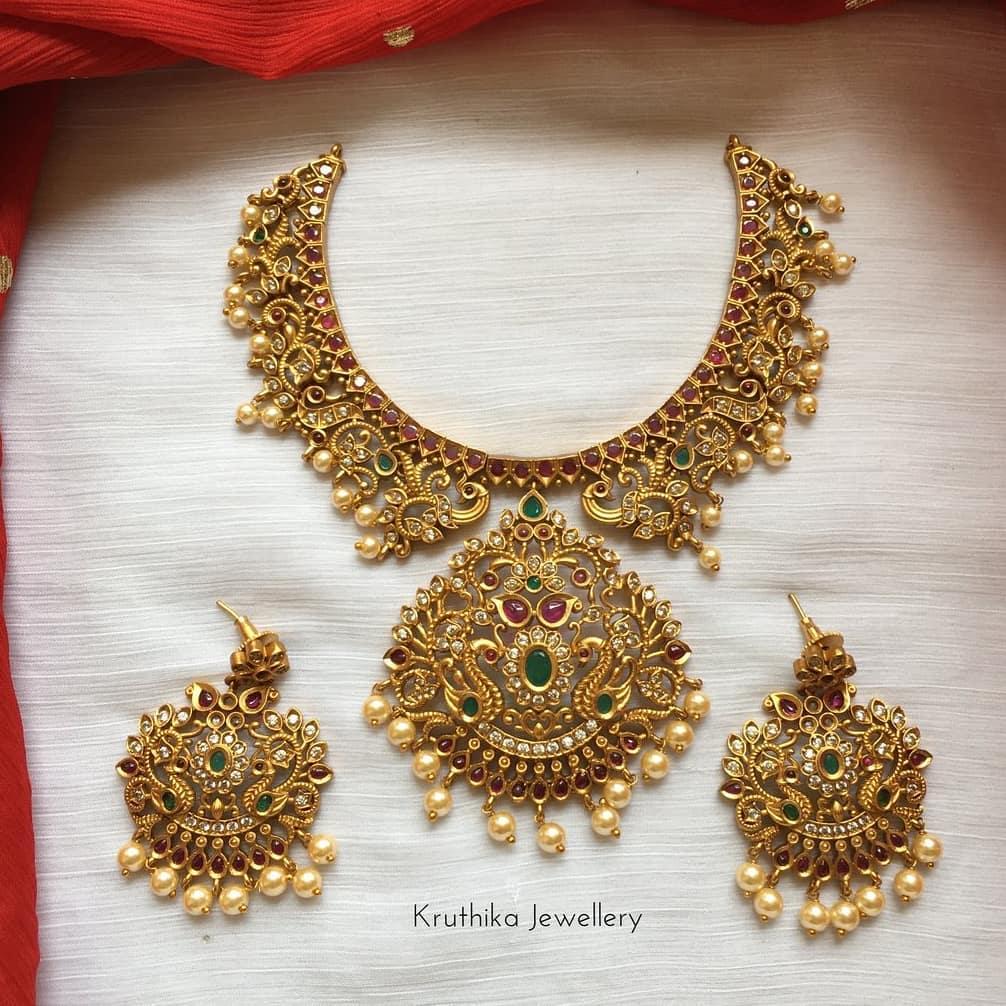 multi-stone-peacock-necklace