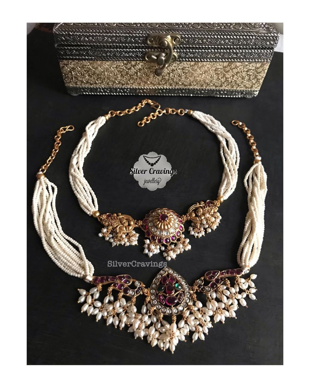 pearl-choker-necklaces