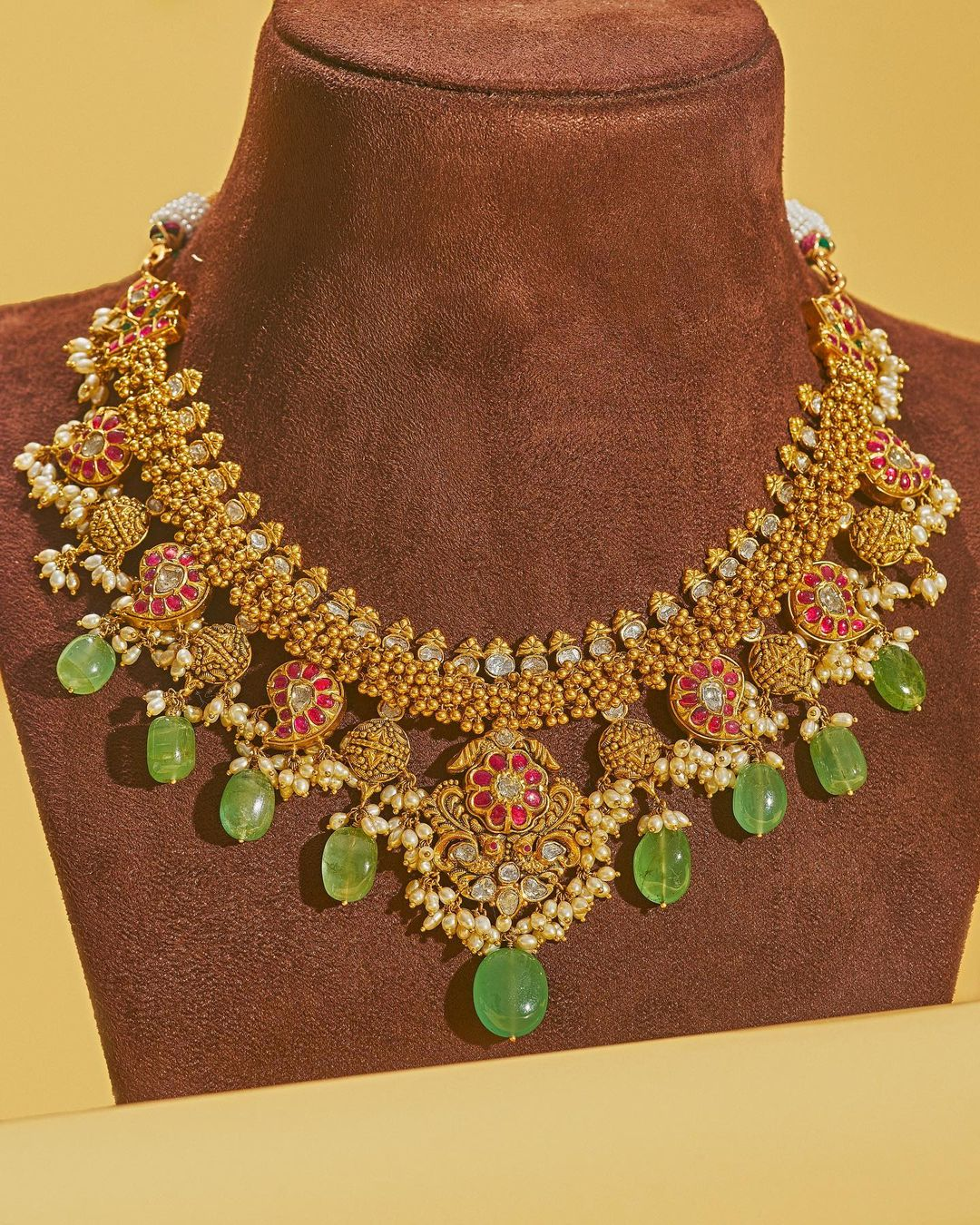 rubies-emeralds-polkis-gold-necklace