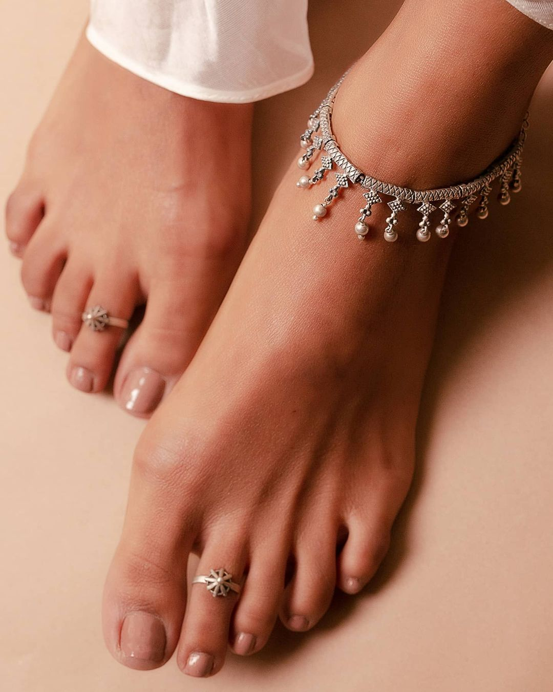 silver-anklets-toe-rings