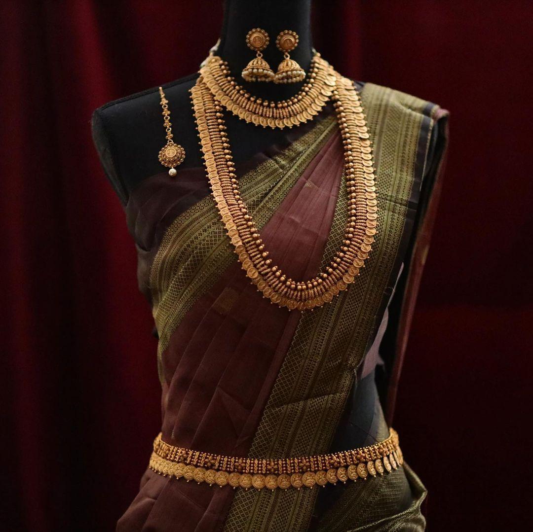 simple-antique-bridal-jewellery-set