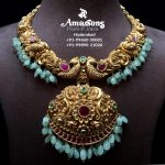 Emerald Embedded Gold Nakshi Necklace
