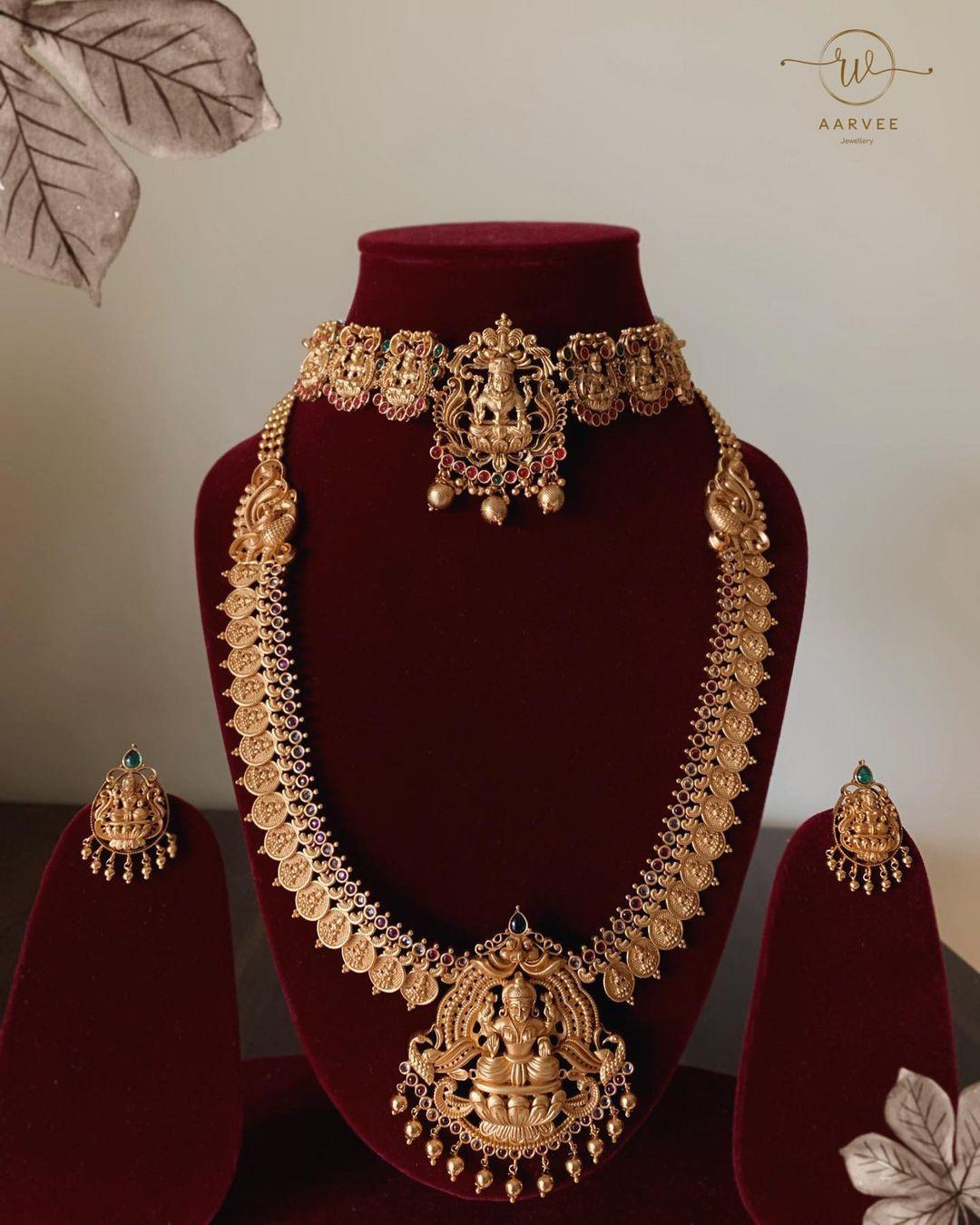 lakshmi-temple-necklace-sets