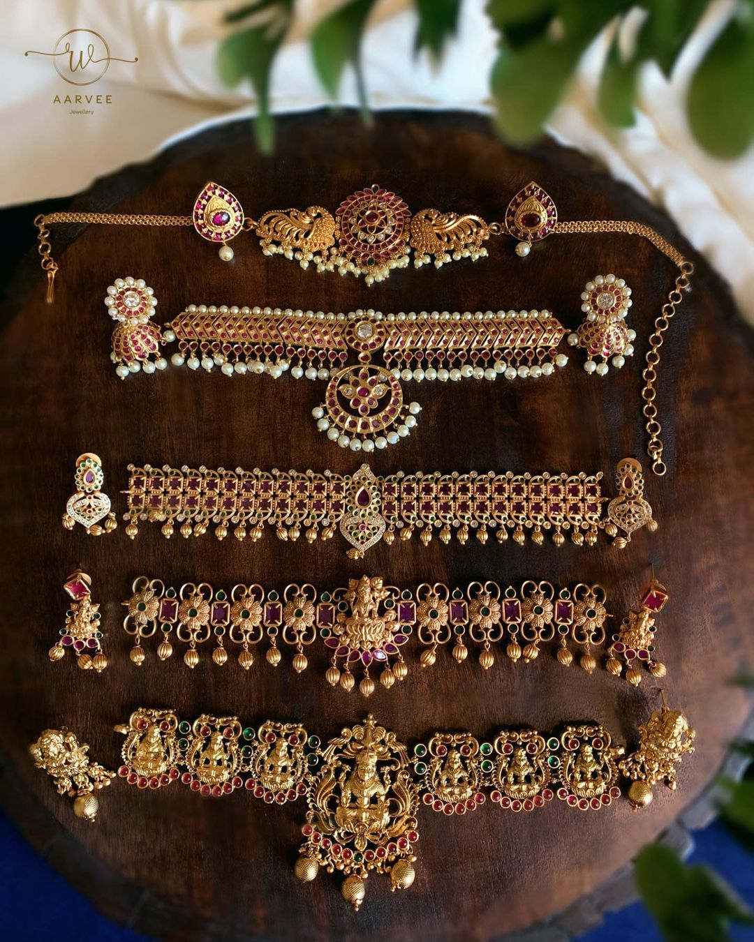 temple-choker-necklace-collection