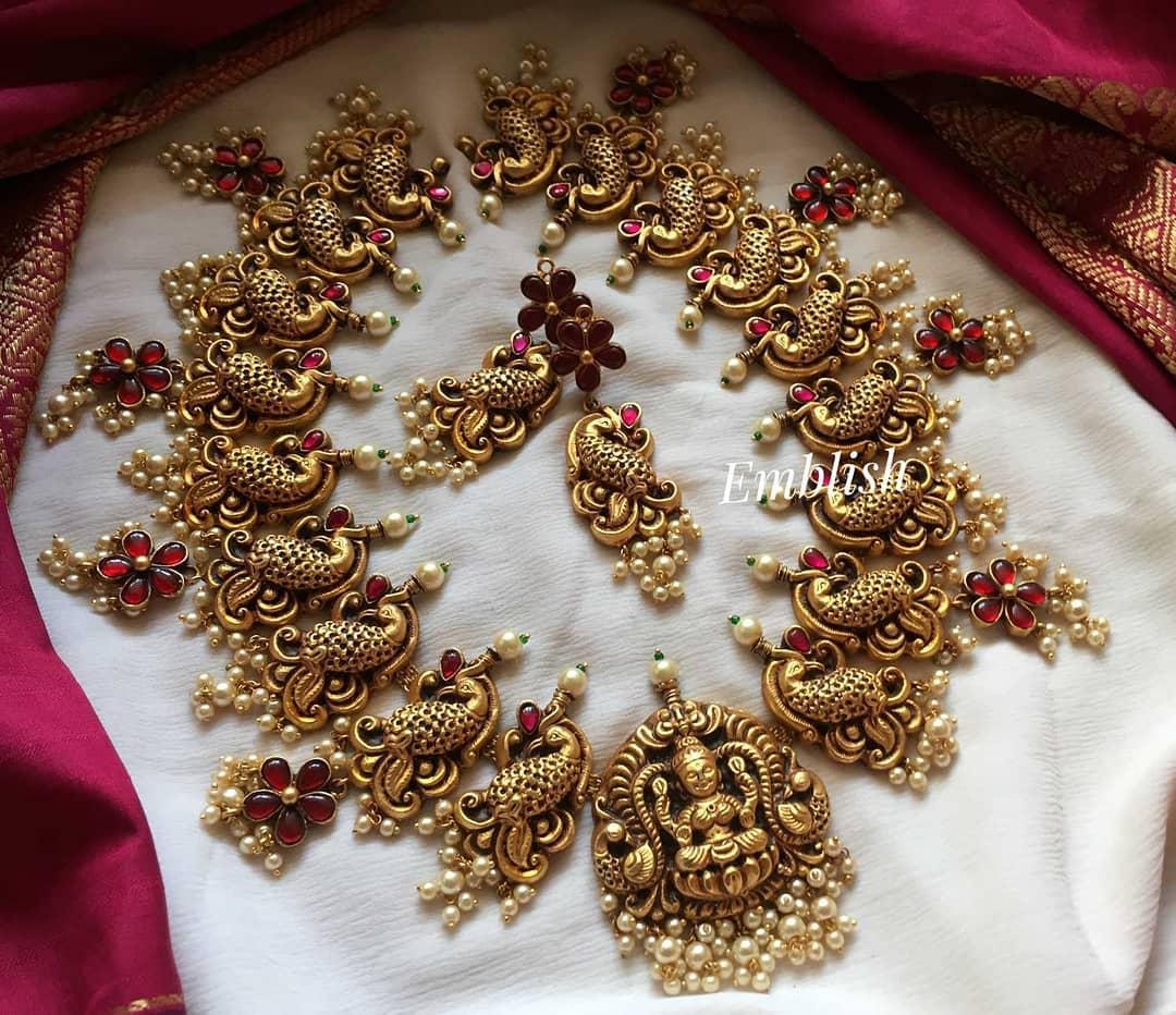 antique-kundan-jadau-lakshmi-necklace