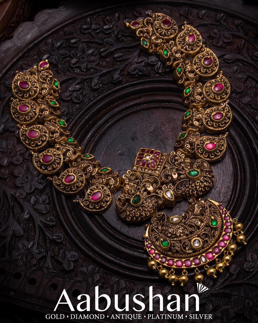 antique-ruby-polki-emerald-haram
