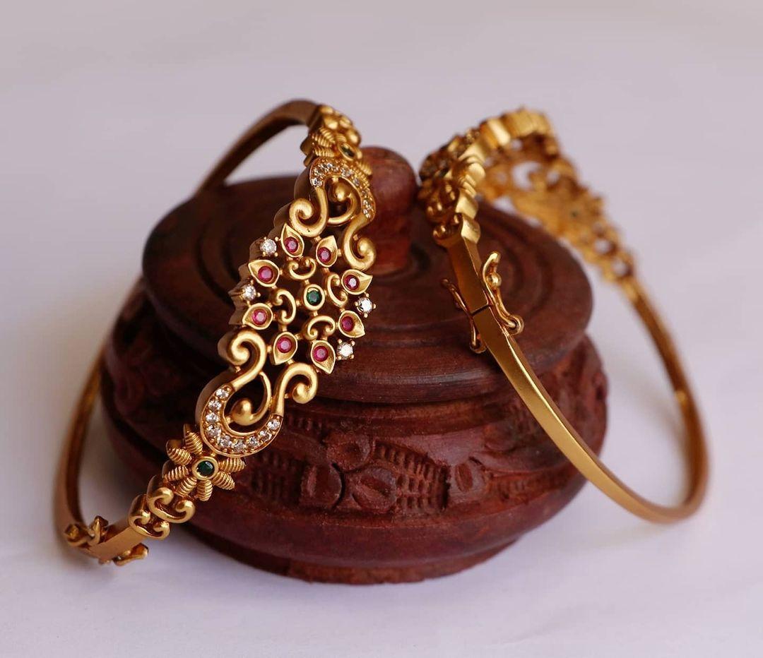 delicate-stylish-bracelet-kadas