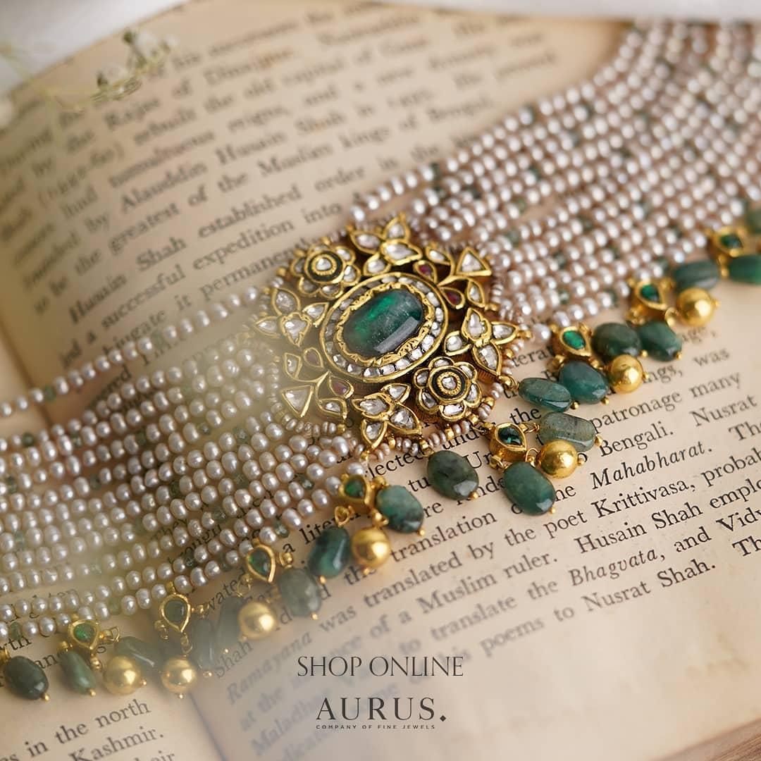 exquisite-pearl-stone-pendant-choker
